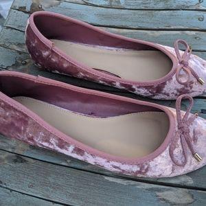 Forever 21 Pink Crushed Velvet Flats Size 8.5M EUC